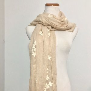 Soft Cotton Scarf with floral embroidery pattern